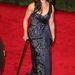 Brooke Shields ruhája nem fekete, de ez sem egy túl feltűnő darab, nem úgy, mint a bot.