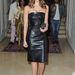 Jessica Alba  - Párizsi Divathét - Versace haute couture bemutató