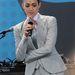 Emmy Rossum színésznő kosztümje is tetszetős