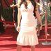 2006 július: egy ideig Kardashian a tédr fölött bővülő szoknyákat preferálta, pedig nem ez a fazon a legelőnyösebb számára