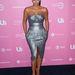 Ilyet Kanye West mellett nem venne fel: csillogó ruha, pink cipő. 2006-ot idézi, pedig 2012 áprilisi kép.