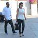 2012 július 12: Kardashian smink nélkül, de szépen kiöltözött legalább