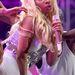 Ha nem lett volna még elég Nicki Minajból, akkor itt egy másik póz, ahol inkább kétségbeesettnek mint boldognak tűnik