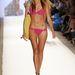 Cia Maritima: Benny Rosset tervező idén aranyszíneket és hamisítatlan dél-amerikai stílusú bikiniket küldött kifutóra.