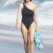 Lisa Rinna Los Angeles egyik strandján