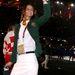 Egy ausztrál hölgy a sportolók vonulásakor