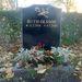 A növényi motívumok is népszerűek, Ruth Olsson egy rózsát kapott azoktól, akik nagyon szerették