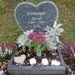 Ez a sírkő viszont maga is egy szív