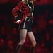 Taylor Swift cirkuszos jelmezben a színpadon