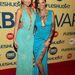 Bonnie Rotten éppen átfogja Riley Reid derekát az XBiz Awards díjkiosztón