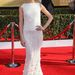Jayma Mays, aki a Glee-ben a pszichológust játssza