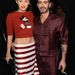 Miki egeres, csíkos szoknyával - Miley Cyrus mellett Marc Jacobs divattervező