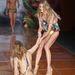 2011., Rio De Janeiro, Blue Man divatbemutató, a modell neve Ana Claudia Michels