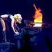 Lady Gaga 2010-es turnéjának egyik leglátványosabb jelenete a kigyulladó zongorával