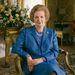 Klasszikus kép Thatcherről 1985-ből. Sokan mondták neki, hogy ne hordjon gyöngyöket, de ebben megingathatatlan volt. A megjelenését alapvetően változtatták meg, de a gyöngyökből nem engedett