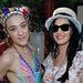 Katy Perry a Coachella fesztiválon Mia Morettivel pózol, aki egy DJ