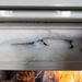 Az hagyján, hogy fullra be van fagyva a fagyasztó, de vajon miért barnás-sárgás a jég a bal alsó sarokban és mi a vörös folt a jobb szélen? Nem, igazából nem szeretnénk tudni