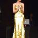 Caroline Correa az aranyruhában