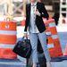 Sienna Miller taxit fog a Tribeca Filmfesztivál alatt