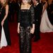 Még egy császárnő: Tabitha Simmons is koronában. Kicsit mintha egy zsúron lennénk a Burger Kingben