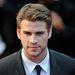 Liam Hemsworth nagyon elegáns