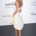 Rosie Huntington-Whiteley a Cannes-i amfAR-gálán