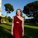 Az Hotel du Cap-Eden-Roc kertje, és benne Jessica Chastain