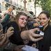 Angelina Jolie a rajongókkal