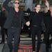 Párizs: Angelina Jolie és Brad Pitt feketében