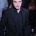 Michael Pitt a Calvin Klein divatbemutatóján a milánói férfidivathéten
