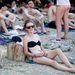 Sokan relaxálnak a beachen