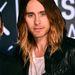 Jared Leto a Video Music Awardson a fotófal előtt