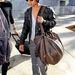 Augusztusban pedig Maddox Jolie-Pitten láttunk egy hatalmas táskát