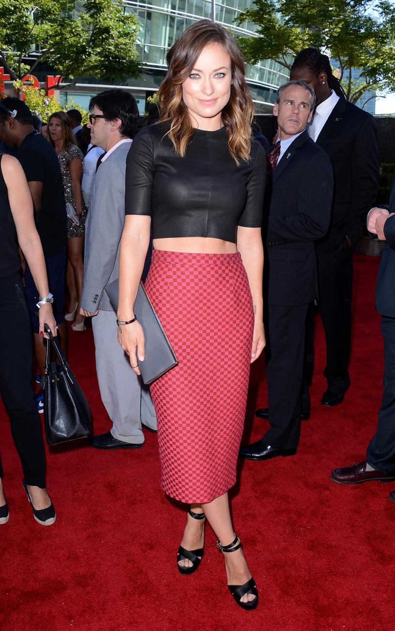 Mihalik Enikő Jeremy Scott jövő nyári mutatta be a New York-i divathéten, tehát a hasvillantós trend divatban marad. Ön szerint kinek áll legjobban a galériában szereplő hírességek közül?
