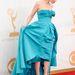 Jessica Paré a Mad Menből érkezik a gálára a vörös szőnyegen