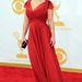 Kelly Osbourne érkezik a gálára a vörös szőnyegen