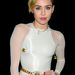Miley Cyrus fehérben és vicces cigi nélkül