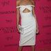 Karlie Krossról valaki le akarta cibálni  ruhát?