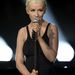 3. Christina Aguilera a színpadon az ukrán politikusnők frizurájával