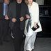 Kate Moss az aznapi harmadik szettet Tom Jones oldalán mutatta be