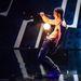 Adrian Mathias zsonglőrködik a Supertalent egyik műsorában