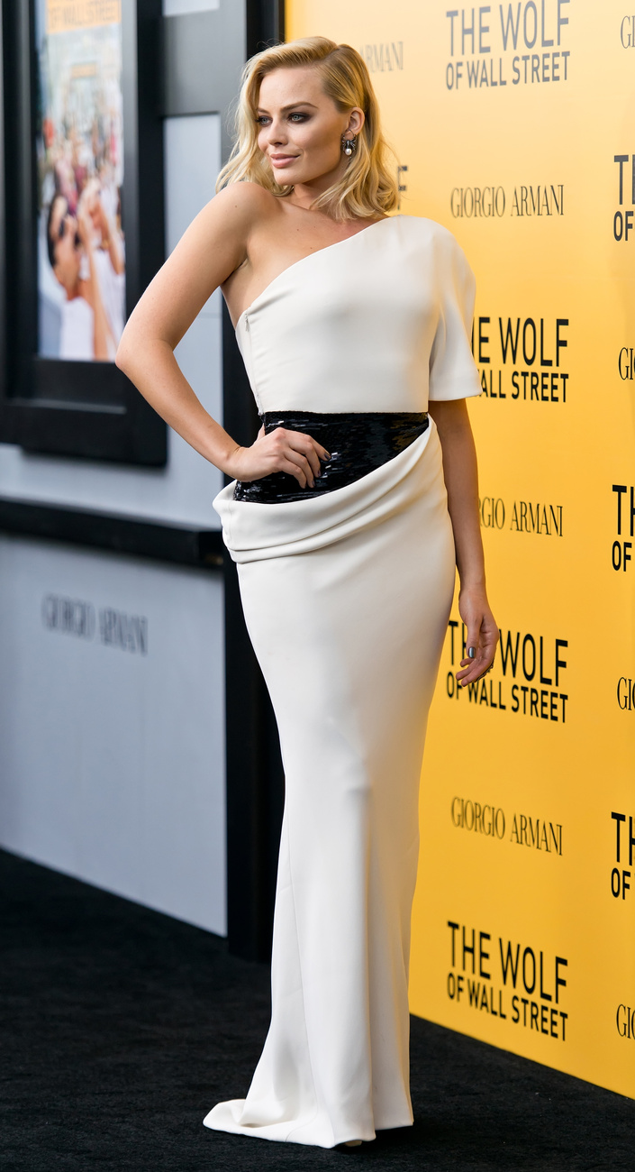 Múlt csütörtökön vörösben a The Wolf of Wall Street londoni premierjén, Leonardo DiCaprióval