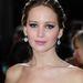 Jennifer Lawrence a 2013-as Oscar-kiosztón, fordított nyakláncban