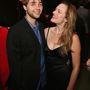 Vincent Kartheiser és Elisabeth Moss a Mad Men első évadjának premierje alkalmából tartott bulin, 2007. július 15-én