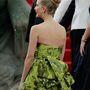 Mások szerint díványkárpitra emlékeztet ez a ruha, de abban a többség egyet értett, hogy nagyon nem nézett ki jól