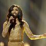Conchita Wurst az Eurovíziós Dalfesztivál színpadán énekel