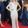 Ez megint egy Atelier Versace-ruha, de ebben most Alessandra Ambrosio van