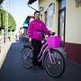 Anita (30, Mórahalom): Saccra azt mondta, 20 éve bringázik rendszeresen, a város melletti Ásotthalomra is kijár vele olykor, de alapból nagyon szeret tekerni. A biciklije az eddigi legmenőbb: kétéves és 80 ezer forintért szerezte.