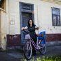 Réka (27, Csávoly): Ő is gyerekkora óta közlekedik biciklivel, zömmel a boltba és a faluközpontba szokott begurulni vele. A bringája viszonylag új, két éve vette 50 ezer forintért.