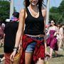 Caroline West modell, ehhez nem sok hozzáfűzni való van. Pláne, hogy semmi formabontó nincs az öltözetében.